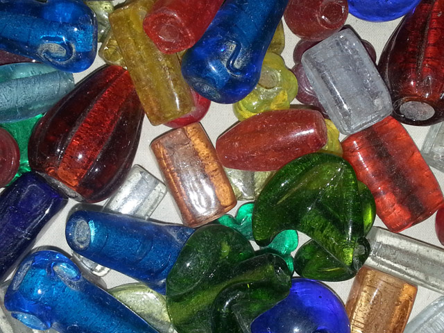 glass beads - large hole mix -16026 x 1KG